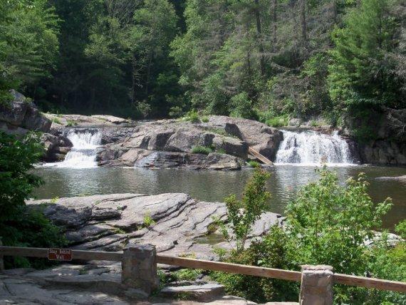 Upper falls at linville falls blue ridge parkway cabin for Linville falls cabin rentals